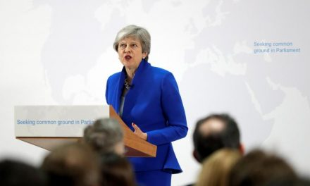 Royaume-Uni: Theresa May prépare son départ du 10, Downing Street