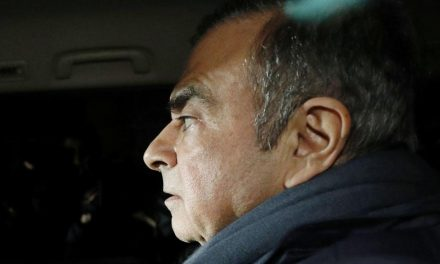 Ghosn: mandat d'arrêt international et plainte au Liban pour contact avec Israël